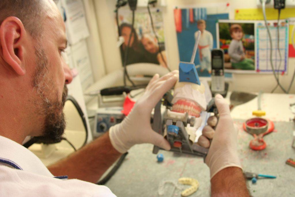 Dentures Randwick - denture repairs